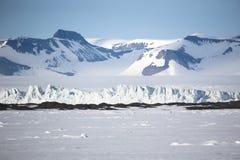 Geleira e montanhas árticas da paisagem Imagem de Stock
