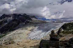 Geleiras em Rocky Mountains A vista agradável em Canadá fotografia de stock