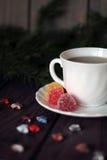 Geleisnoepje, aromafruit, suikergoeddessert en thee Royalty-vrije Stock Fotografie