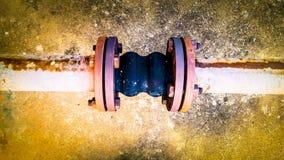 Gelenke der alten Rohrleitungen Lizenzfreie Stockfotografie