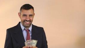 Geleverde inkomens stock videobeelden