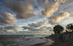Gelijk makend cloudscape in de Zwarte Zee, Nessebar, Bulgarije Stock Foto's