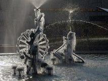 Gelo congelado na pulverização bem Imagens de Stock Royalty Free
