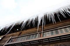 Gelo congelado no telhado da casa Fotografia de Stock