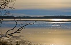 Gelo de derretimento no lago Fotos de Stock Royalty Free
