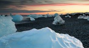 Gelo em terra Fotografia de Stock Royalty Free