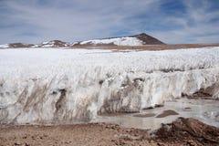 Gelo ereto no deserto de Atacama em Andes Imagem de Stock