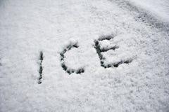 Gelo na neve Fotografia de Stock
