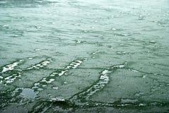 Gelo no lago Imagens de Stock Royalty Free