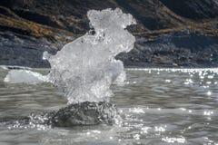Gelo no lago hooker no cozinheiro da montagem de Aoraki, Nova Zelândia foto de stock
