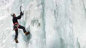 Gelo que escala em Tirol sul, Italia imagem de stock