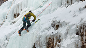 Gelo que escala em Tirol sul, Italia foto de stock royalty free