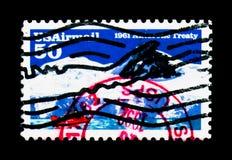 Gelo-quebrando o contratorpedeiro no Tratado antártico, antártico, 30o Anni Fotografia de Stock