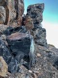 Gelogical placent l'obsidien naturel au cratère de Panum photos stock