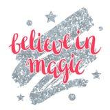 Geloof in magisch De kaart met sterren en het zilver schitteren textuur Royalty-vrije Stock Foto's