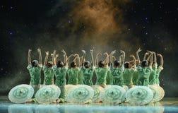 Gelsomino nella danza popolare di pittura-cinese del lavaggio e dell'inchiostro Immagine Stock Libera da Diritti