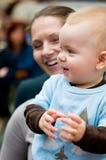 Gelukkig babyjongen en mamma Royalty-vrije Stock Afbeeldingen