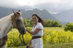 Gelukkig boerderijmeisje Royalty-vrije Stock Afbeeldingen