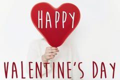 Gelukkig de tekstteken van de valentijnskaart` s dag op hart gelukkige valentijnskaartenconce Royalty-vrije Stock Fotografie