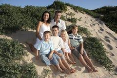 Gelukkig familieportret Stock Afbeeldingen