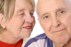 Gelukkig gehuwde oudsten in liefde Stock Foto