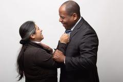 Gelukkig Gemengd Raspaar op Licht Gray Background royalty-vrije stock foto's