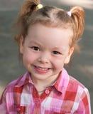 Gelukkig glimlach liitle meisje royalty-vrije stock afbeeldingen