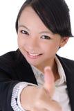 Gelukkig glimlachend bedrijfsmeisje royalty-vrije stock afbeeldingen