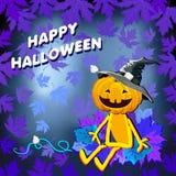 Gelukkig Halloween met pompoenhoed in de bladeren op een blauwe achtergrond Royalty-vrije Stock Foto