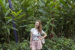 Gelukkig jong meisje royalty-vrije stock fotografie