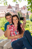 Gelukkig jong paar dat fotografeert Royalty-vrije Stock Foto