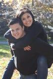 Gelukkig jong paar in liefde stock foto's