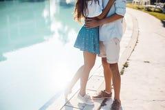 Gelukkig jong romantisch paar Royalty-vrije Stock Foto's