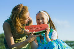 Gelukkig kind dat watermeloen eet Royalty-vrije Stock Afbeelding