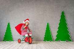 Gelukkig kind op Kerstmisvooravond Royalty-vrije Stock Foto
