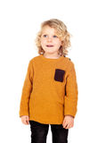 Gelukkig klein blond kind whith geel Jersey Royalty-vrije Stock Afbeelding
