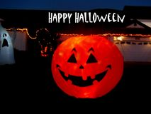 Gelukkig Lit op de Pompoen en het Spook van Halloween royalty-vrije stock afbeelding