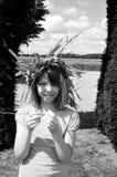 Gelukkig meisje dat van de zomer geniet Stock Foto