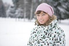 Gelukkig meisje in de winter royalty-vrije stock fotografie