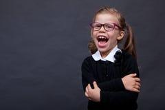 Gelukkig meisje met glazen Royalty-vrije Stock Afbeeldingen