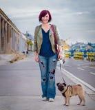 Gelukkig meisje met haar huisdier Royalty-vrije Stock Foto's