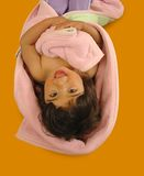 Gelukkig meisje op de vloer Stock Foto