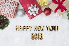 Gelukkig Nieuwjaar 2018 met decoratie op wit Royalty-vrije Stock Fotografie