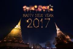 2017 gelukkig Nieuwjaarvuurwerk over het historische park van Sukhothai, Tha Stock Fotografie
