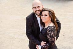 Gelukkig paar bij een huwelijk royalty-vrije stock fotografie