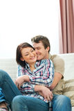Gelukkig paar dat in liefde van geniet Royalty-vrije Stock Afbeelding