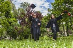 Gelukkig Paar in de Graduatiedag Stock Fotografie