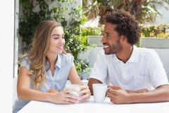 Gelukkig paar die koffie hebben samen Royalty-vrije Stock Foto