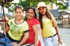 Gelukkig portret van inheemse Aziatische wemensvriendschap stock afbeeldingen
