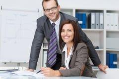 Gelukkig succesvol commercieel team Stock Foto